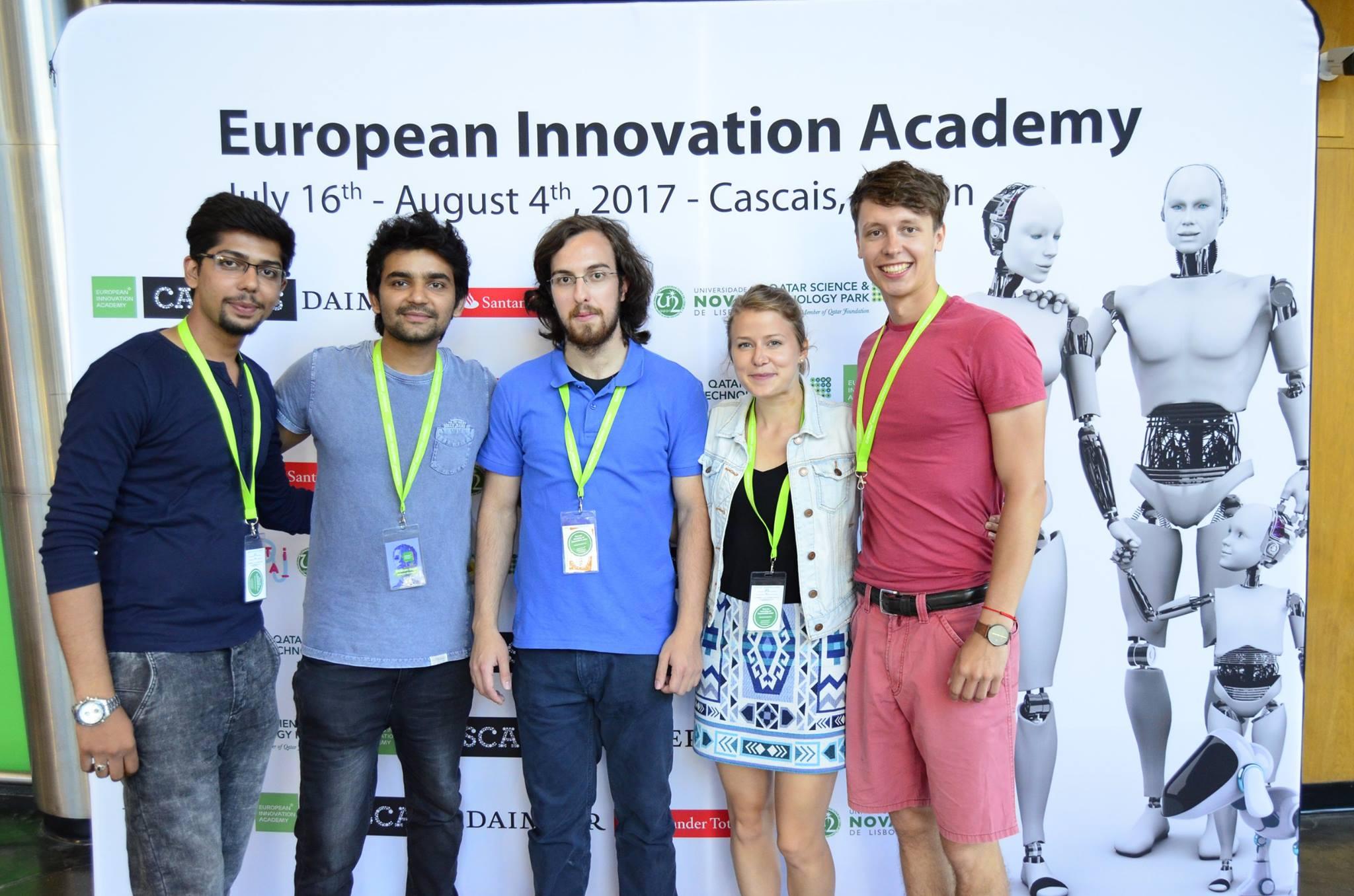 Martin (vpravo) s tímom v European Innovation Academy