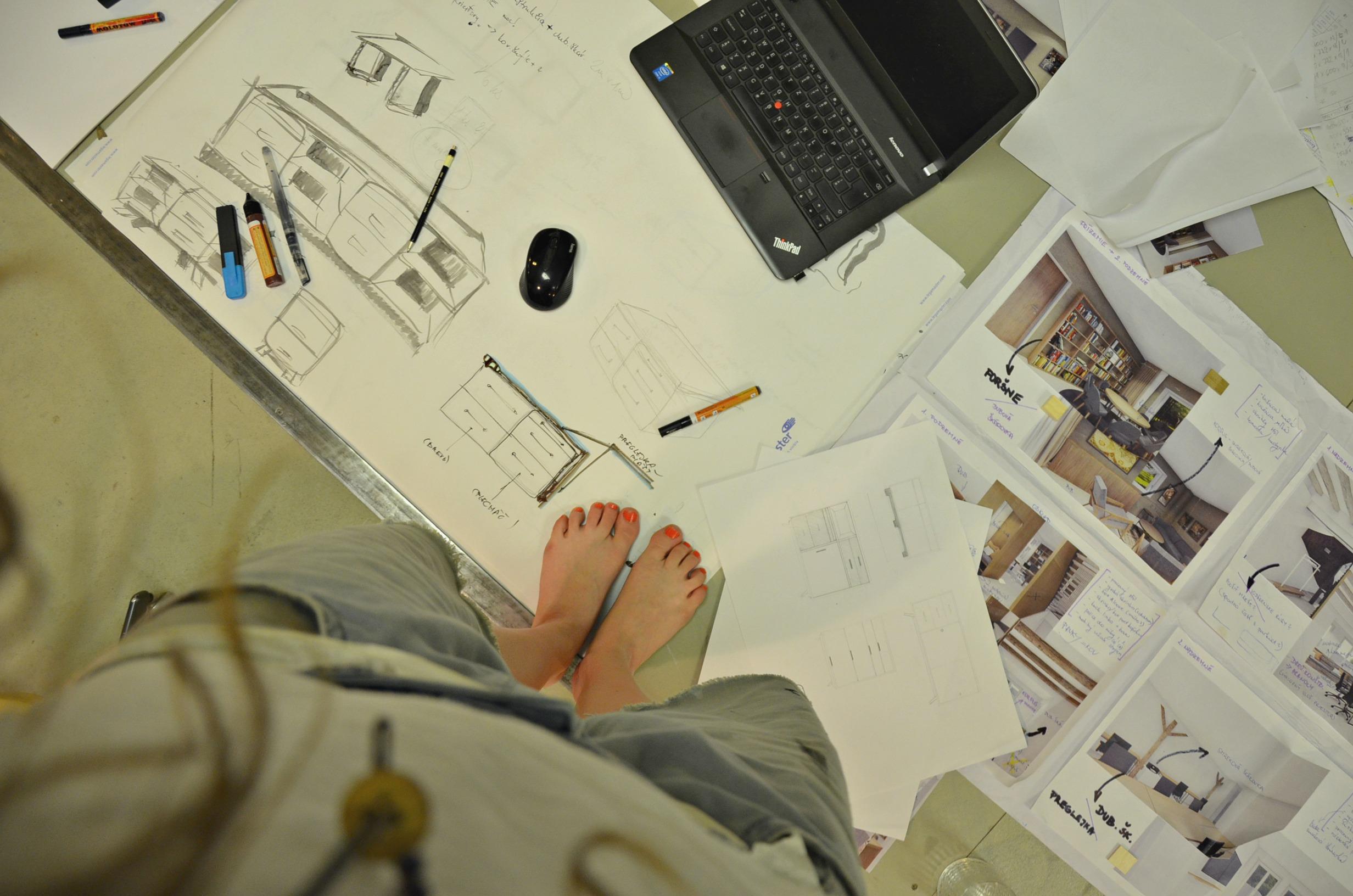 Proces tvorby v PURE JUNK (Foto: Maja Demjanovičová)
